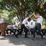 Aula gratuita de capoeira na Praça de Santa Tereza