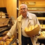 Seu Pedro padeiro a arte do pão de cada dia em Santa Tereza