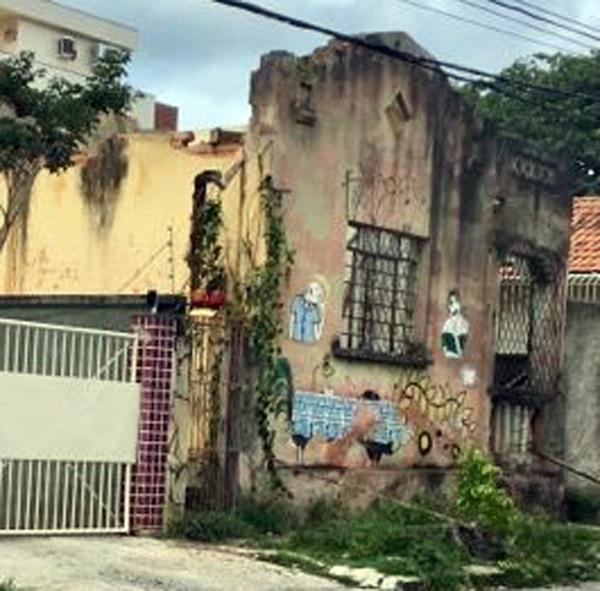Demolida a casa de João Barbarella