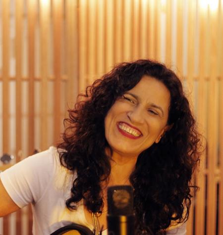 Live show de Regina Souza com participação de Maurício Tizumba